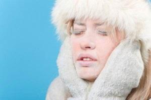 Как лечить пятна на лице от мороза?