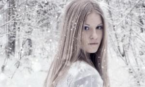 Почему лицо шелушится зимой?