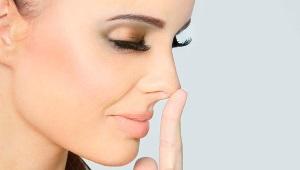 Как быстро убрать прыщ на носу?
