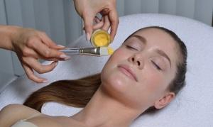 Процедура ренитолового пилинга лица
