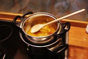 Приготовление домашней гигиенической помады