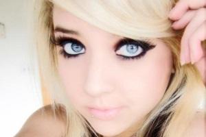 Как сделать большие глаза макияжем?