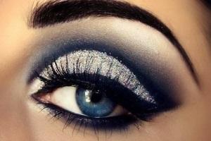 Дневной смоки айс для голубых глаз
