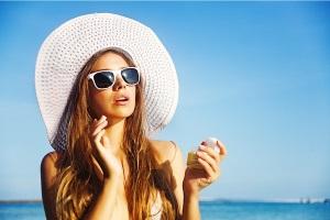 Как защитить лицо от солнца?