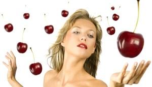 Польза вишни для лица