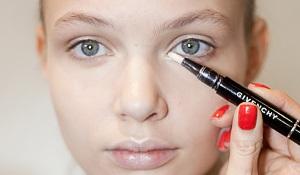 Как растушевать средство на лице?