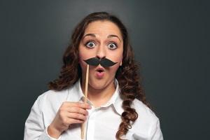 Почему у женщин растут усы и как от них избавиться: причины и удаление