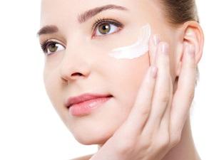 Крем Бепантен для кожи лица помогает от прыщей, морщин, аллергии и сухости