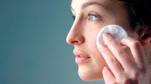 Уход за кожей лица после механической чистки
