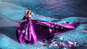 Макияж под фиолетовое платье