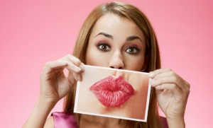 Как лечить прыщи вокруг рта?