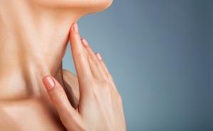 Как устранить морщины на шее?