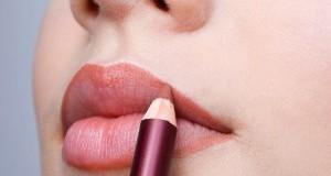 Как использовать карандаш для губ?