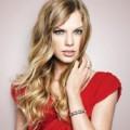 Макияж под красное платье для блондинок