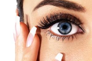 Можно ли использовать косметику для глаз?