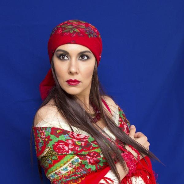 Выполнение макияжа цыганки
