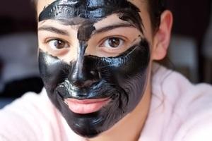 Как сделать черную маску дома?