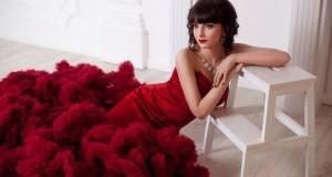 Макияж под бордовое платье